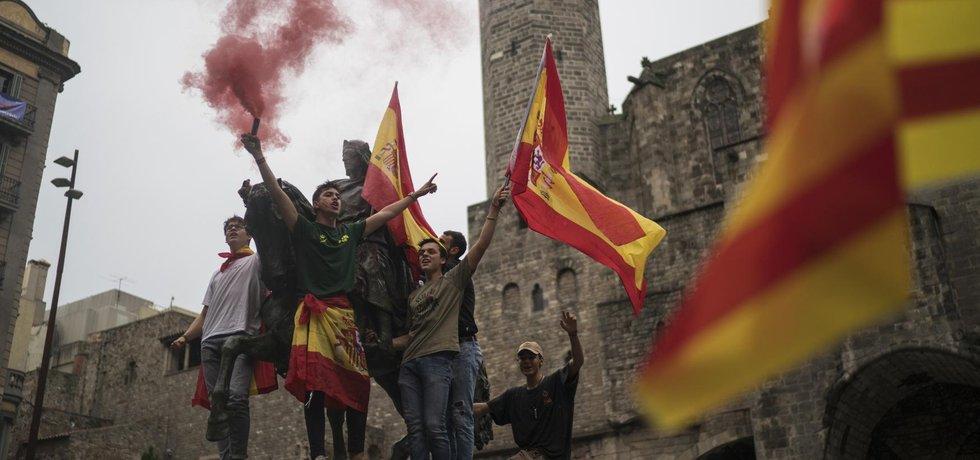 Podle průzkumů podporuje nezávislost pouze kolem 40 procent Katalánců