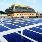 Novou scénu Národního divadla zdobí solární panely