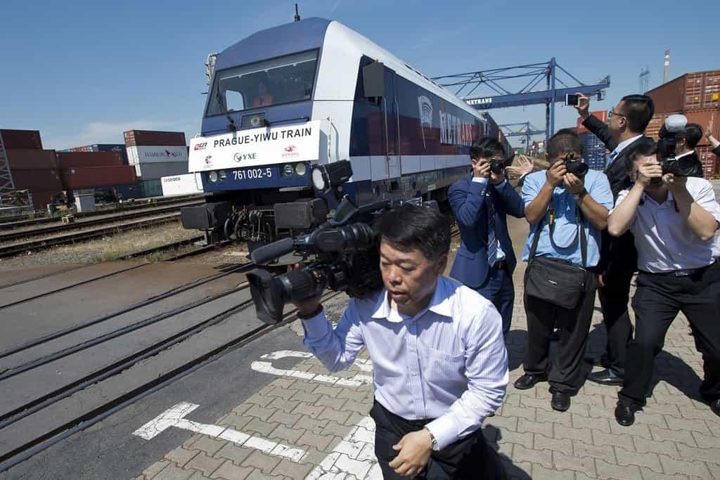 Vypravení prvního přímého vlaku mezi Českem a Čínou provázel velký zájem čínských médií