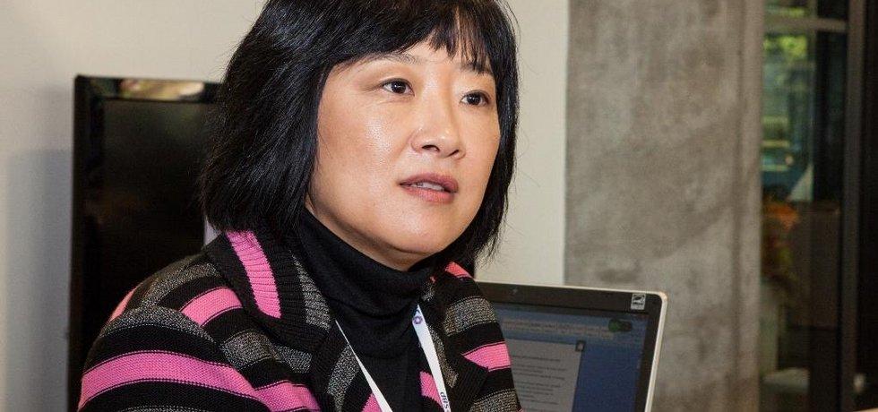 Profesorka College of Europe Jing Men