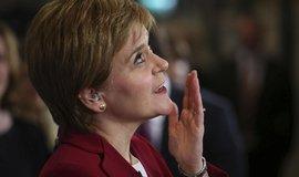 Sturgeonová chce další referendum o skotské nezávislosti. Johnson to odmítá