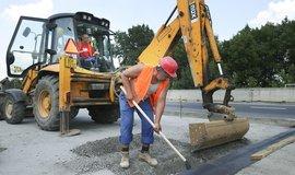 Stavba silnic první třídy je pomalá a neprobíhá podle důležitosti, tvrdí NKÚ