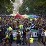 Po finálním podpisu prezidenta Mujici již nebude v Uruguayi nelegální marihuanu pěstovat, užívat ani prodávat (10. prosince 2013)