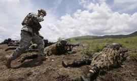 USA vyšlou 1500 vojáků na Blízký východ kvůli íránské hrozbě, oznámil Trump