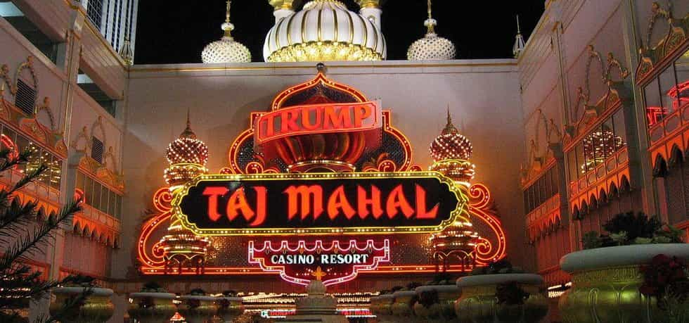 Casino Trump Taj Mahal (Jrballe via Wikimedia Commons; CC BY 3.0)