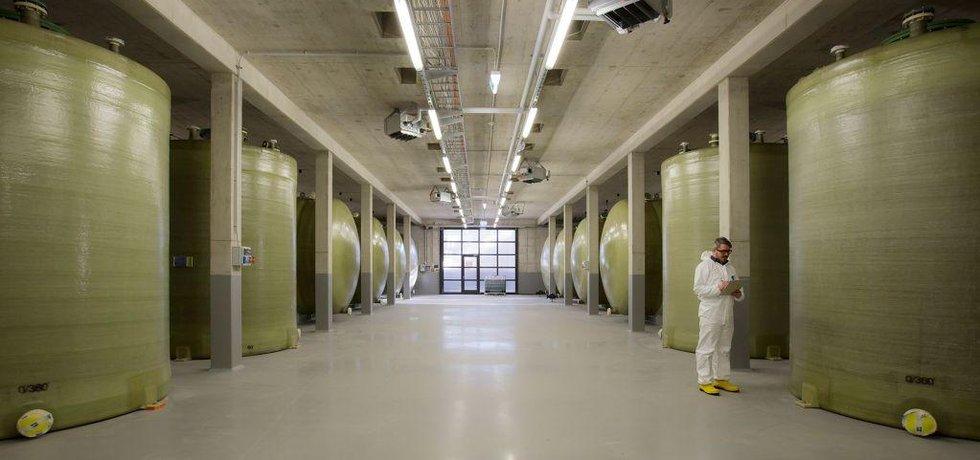 Tanky s elektrolytem ve Frauenhoferském institutu
