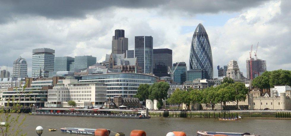 Panorama londýnské čtvrti City (Zdroj: Wjfox2005 - Wikimedia Commons)