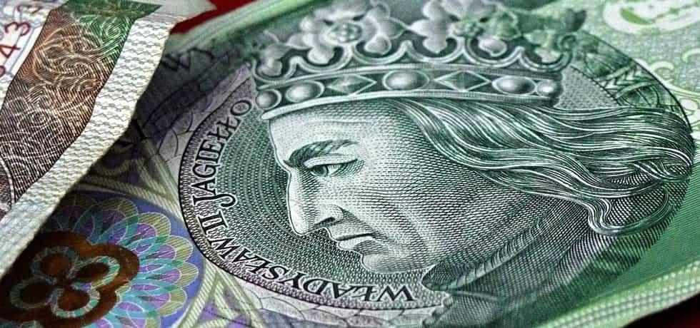 Polský zlotý se poprvé od poloviny roku 2011 dostal pod úroveň čtyř zlotých za euro