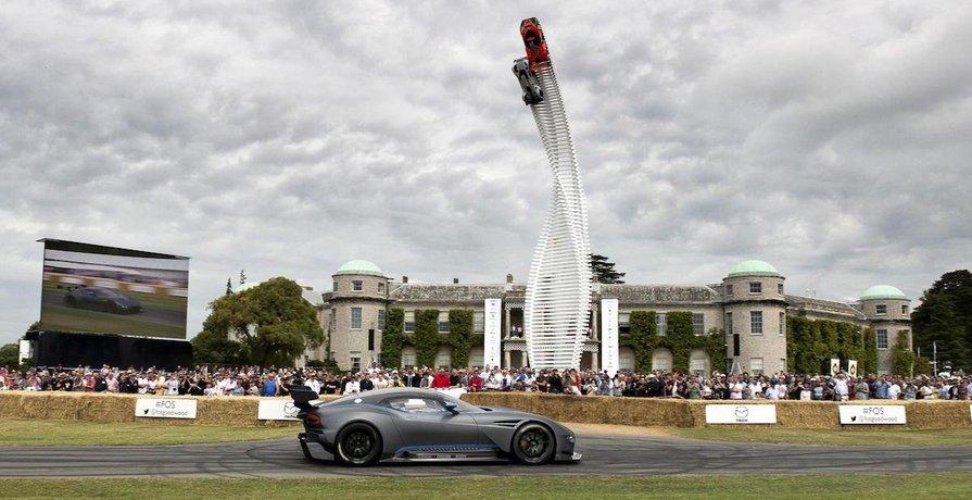 Loni se na Festivalu rychlosti představil třeba Aston Martin Vulcan