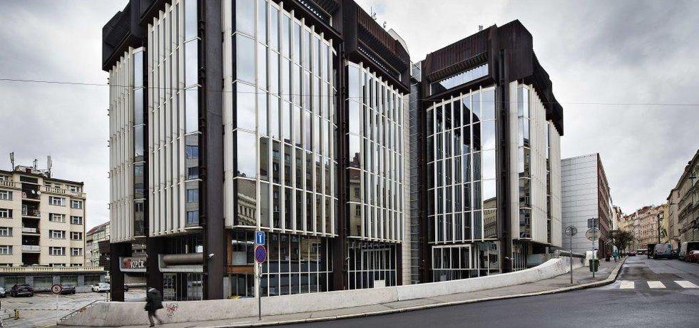Komplex budov Transgasu na Vinohradské třídě v Praze (na archivním snímku z 1. dubna 2016) postavený ve stylu brutalismu není kulturní památkou.
