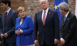 Americký prezident Donald Trump se s japonským premiérem Šinzó Abem dohodli, že rozšíří sankce proti Severní Koreji