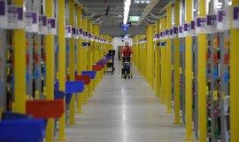 Distribuční centrum Amazonu ve středočeské Dobrovízi