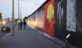 East Side Gallery, největší neporušená část Berlínské zdi ve Friedrichshainu