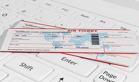 Internet a konkurence stlačily ceny letenek na minimum, změnit to může karbonová daň