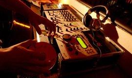 Hudební studio - ilustrační foto