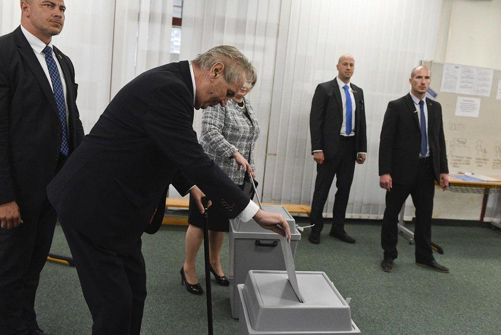 Volby do Evropského parlamentu jsou podle prezidenta Miloše Zemana i testem spokojenosti s českou politikou
