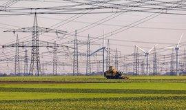 Větrné turbíny a přenosová síť, ilustrační foto
