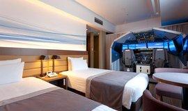 Pilotem z ložnice. Japonský hotel nabízí pokoj s vlastním leteckým simulátorem