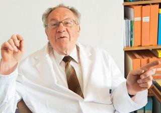 prof. MUDr. RNDr. Luboslav Stárka, DrSc.