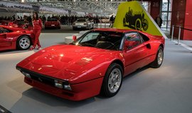 "Fotografie ""Ferrari 308 GTB"" licencována pod CC BY 2.0"