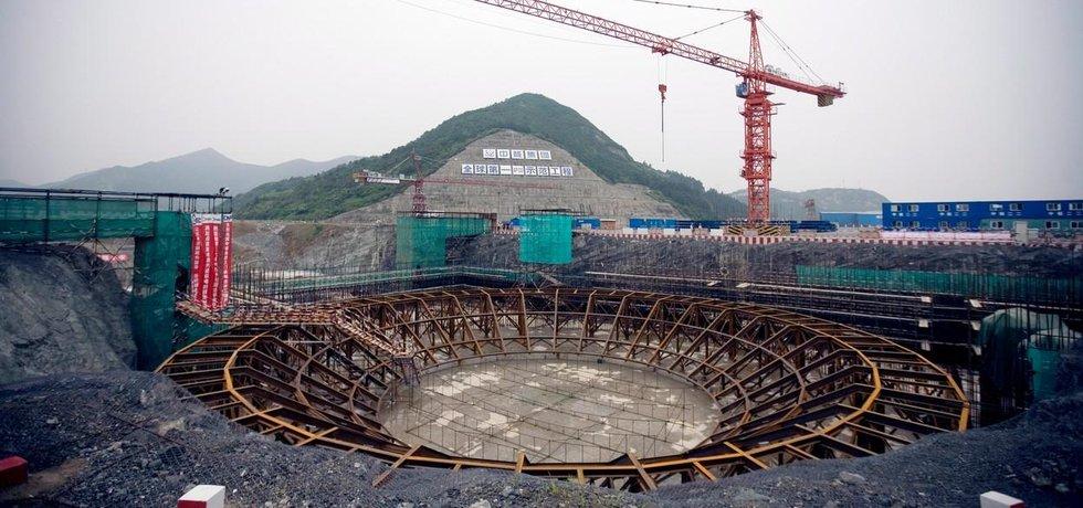 Stavba čínské jaderné elektrárny Sanmen s reaktory Westinghouse AP1000