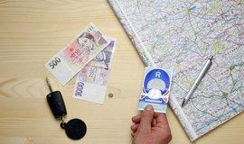 Cena dálniční známky pro osobní vozy se možná zvýší na dva tisíce korun