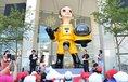 Na začátku srpna 2018 odhalilo město Fukušima sochu chlapce v radiačním obleku umělce Kenži Janobeho.
