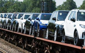 Vývoz aut - ilustrační foto