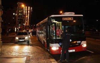 Oheň, požár, hotel, Praha, Eurostars, Náplavní ulice, hasiči, evakuace, tragédie, úmrtí
