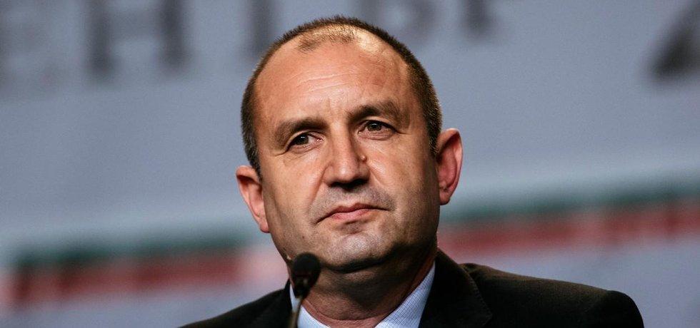 Bývalý velitel bulharského letectva a příští prezident Rumen Radev