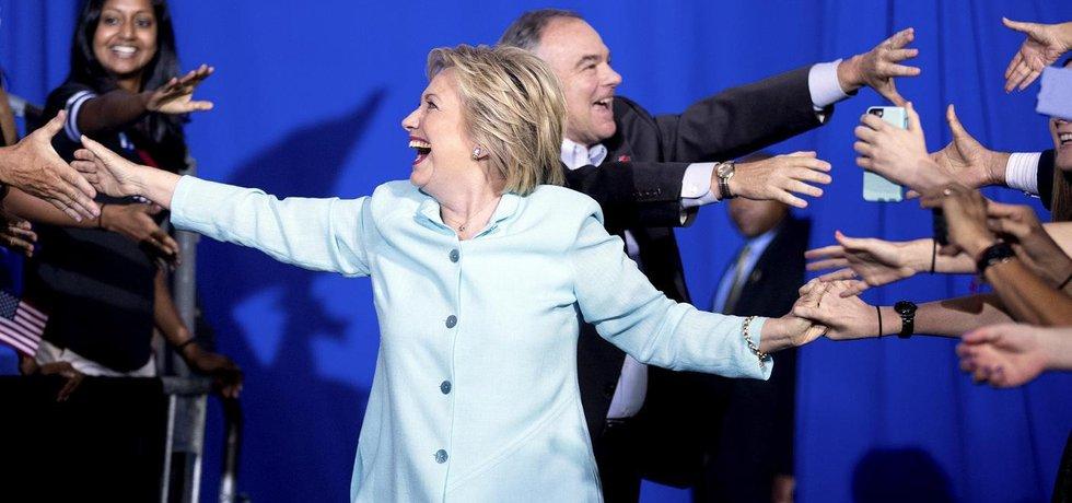 Hillary Clintonová s Timem Kainem, kandidátem na viceprezidenta (Zdroj: čtk)
