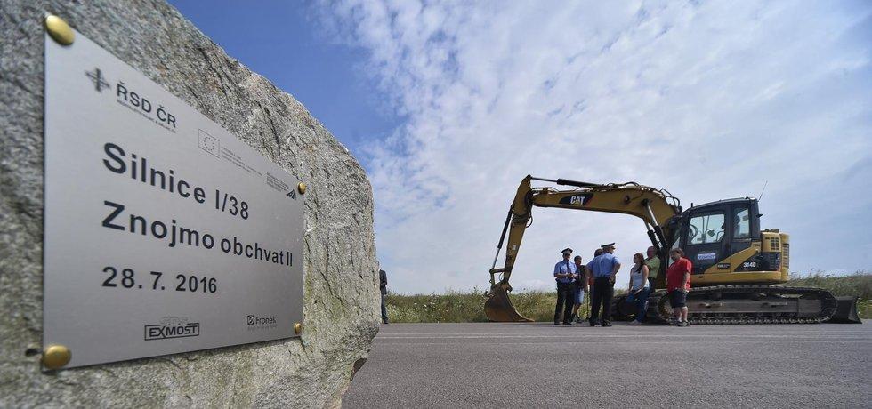 Slavnostní zahájení stavby obchvatu Znojma proběhlo 27. července 2016