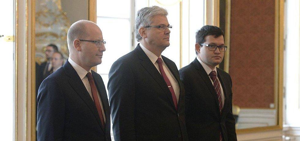 Jmenování nových ministrů Ludvíka a Chvojky na Pražském hradě.