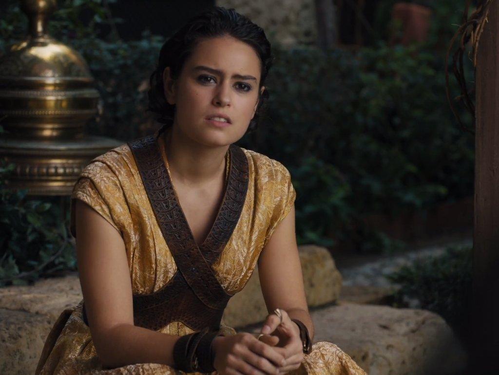 Tyene Sand - pomalu umírá v Rudé baště   Poznámka: Ellaria, Obara, Nymeria a Tyene nejsou čistokrevné příslušnice rodu Martell
