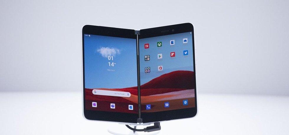 Chystaný smartphone Surface Duo od společnosti Microsoft