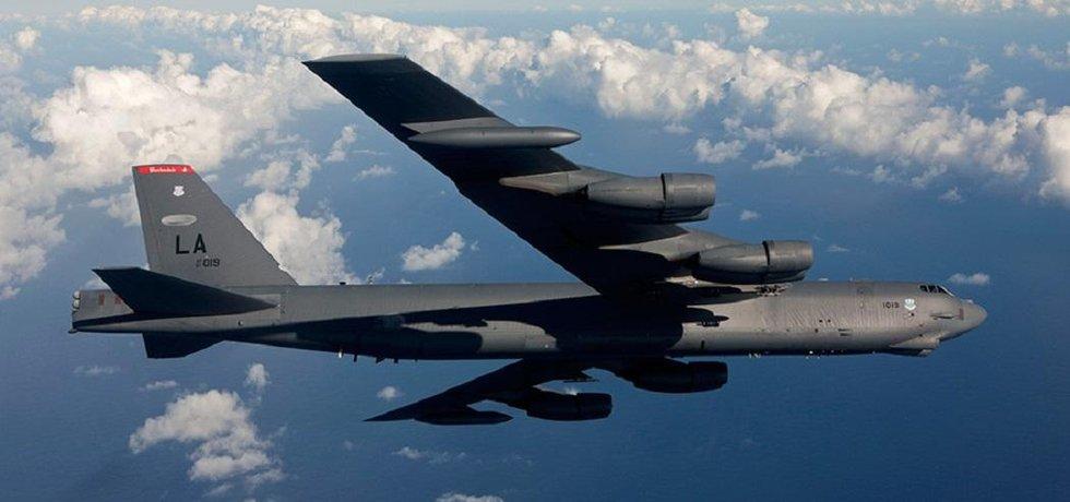 Boeing B-52. Létající pevnost. Ve službě pro americké letectvo od roku 1955.