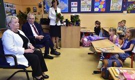 Prezident Miloš Zeman s manželkou Ivanou při příležitosti zahájení nového školního roku navštívil Základní školu T. G. Masaryka v Praze