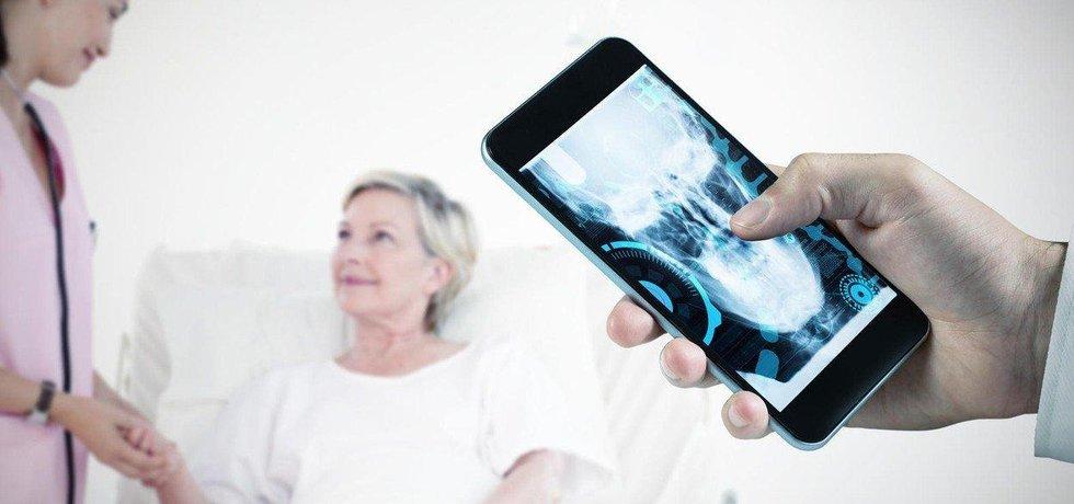 Technologie pro seniory, ilustrační foto