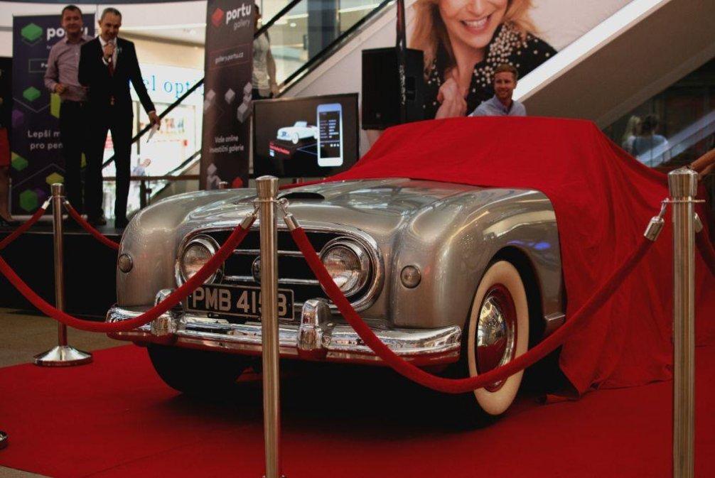 Historický automobil Nash Healey Roadster