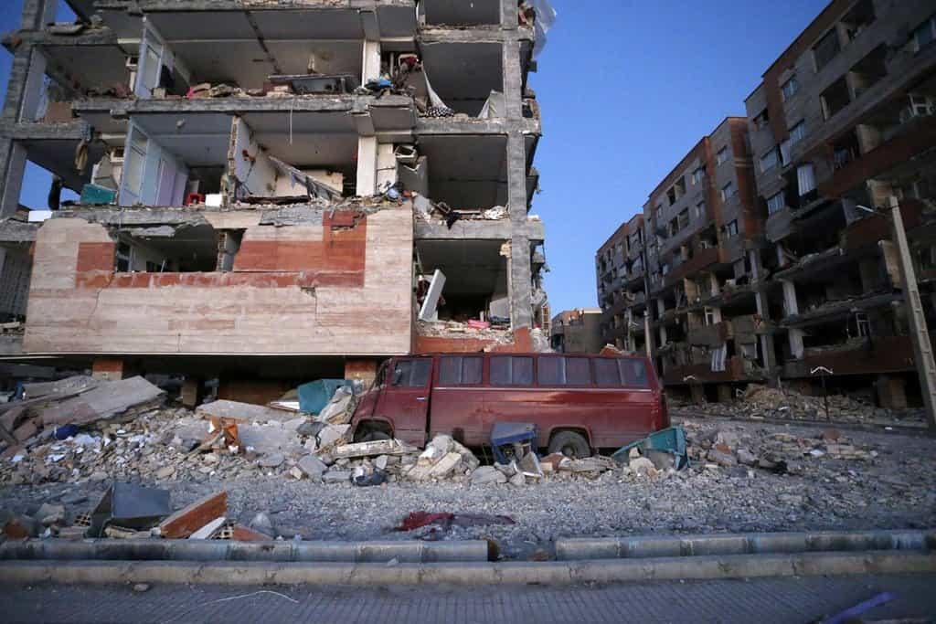 Irák a Írán postihlo silné zemětřesení. Obětí je přes 300