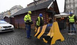 Protiteroristické zábrany na Václavském náměstí