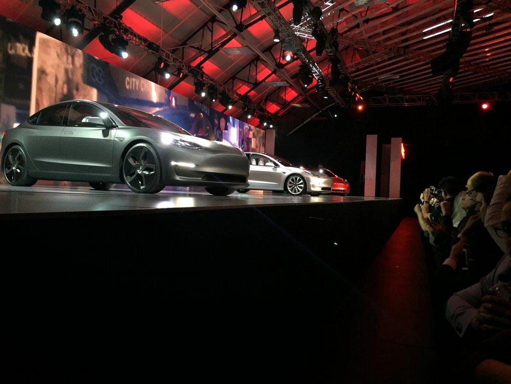 Představení Tesly Model 3