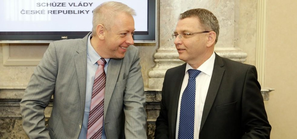 Ministr vnitra Milan Chovanec,  ministr zahraničí Lubomír Zaorálek
