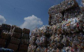 Zpracování plastových lahví