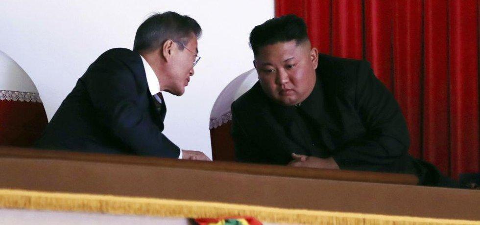 Severokorejský vůdce Kim Čong-un a jeho jihokorejský protějšek Mun Če-in