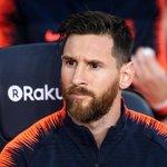2. Lionel Messi (fotbal) – 111 milionů dolarů. Třicetiletý fotbalista se dočkal výrazného vylepšení smlouvy, s Barcelonou vyhrál titul ve španělské lize a s Argentinou se teď chystá na mistrovství světa v Rusku. Messi má podepsanou doživotní smlouvu s Adidasem, dále propaguje například Gatored, Pepsi nebo Huawei. V Číně mu v roce 2020 dokonce otevřou tematický zábavní park.