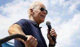 Joe Biden si udržuje náskok mezi kandidáty Demokratické strany na prezidenta USA