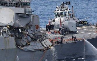 Jiný americký torpédoborec, USS Fitzgerald, se srazil s obchodní lodí u japonských břehů v půlce června