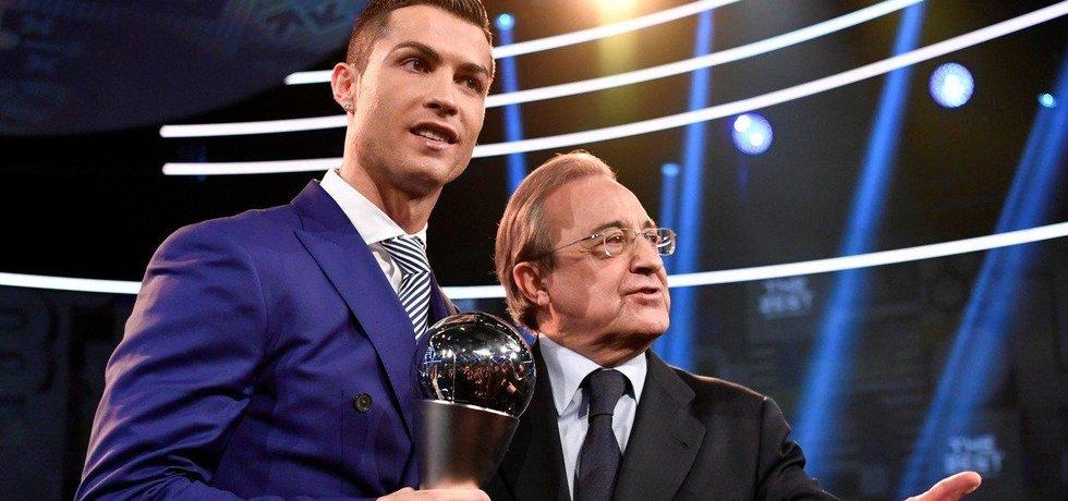 Portugalský fotbalista Cristiano Ronaldo a prezident Realu Madrid Florentino Pérez
