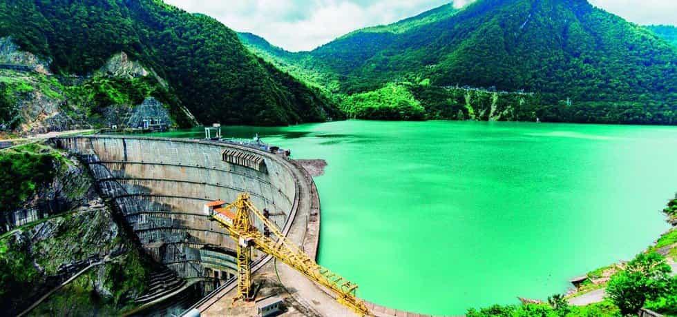 Stavba vodní elektrárny - ilustrační foto